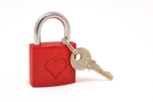 key-to-the-heart-3102146 1920
